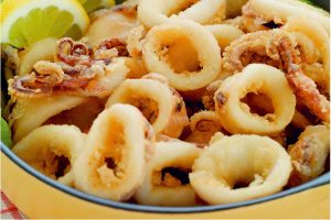 Friterad Calamares - Kalamarakia Tiganita Recept