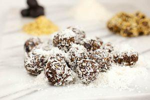 Dadelbollar med choklad och kokos recept