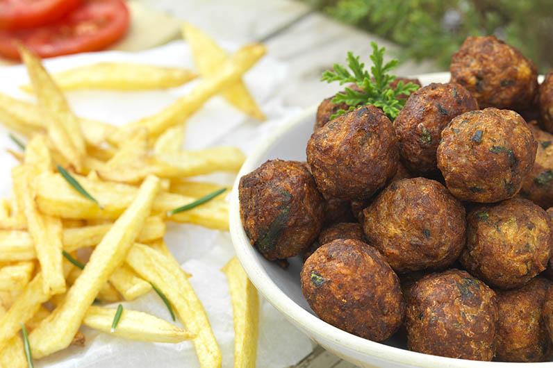 Cypriotiska Sma Kottbullar Mikra Keftedakia Recept
