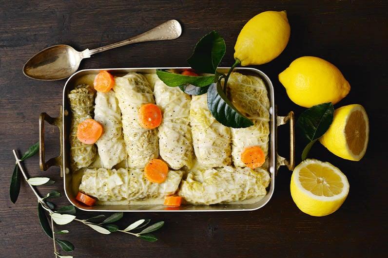 Kåldolmar i ägg- och citronsås recept