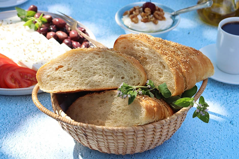 Luftigt bröd med sesamfrön recept