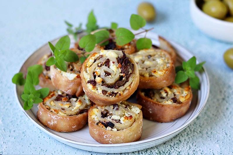 Morotsmuffins med oliver och fetaost recept